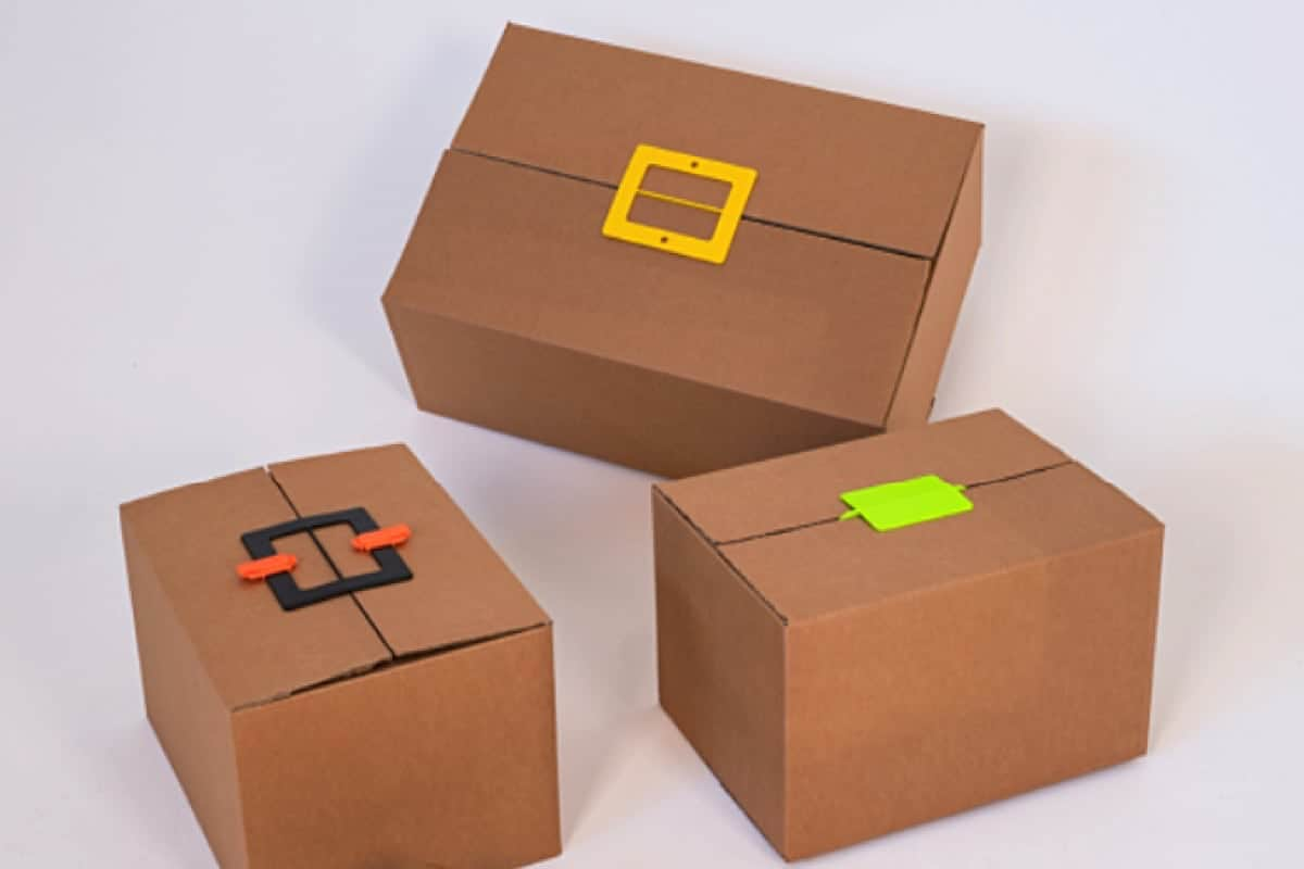 The ThorPak® Buckle is a multi-purpose solution, mainly for cardboard packaging. Here, the bottom of the box or the lids can be closed with one simple operation. Adhesive tape is not required anymore.