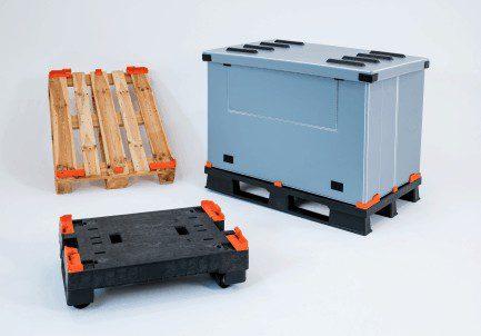 Holzpalette oder Kunststoffpalette wird nach einfacher Montage zum klappbaren Transportbehälter